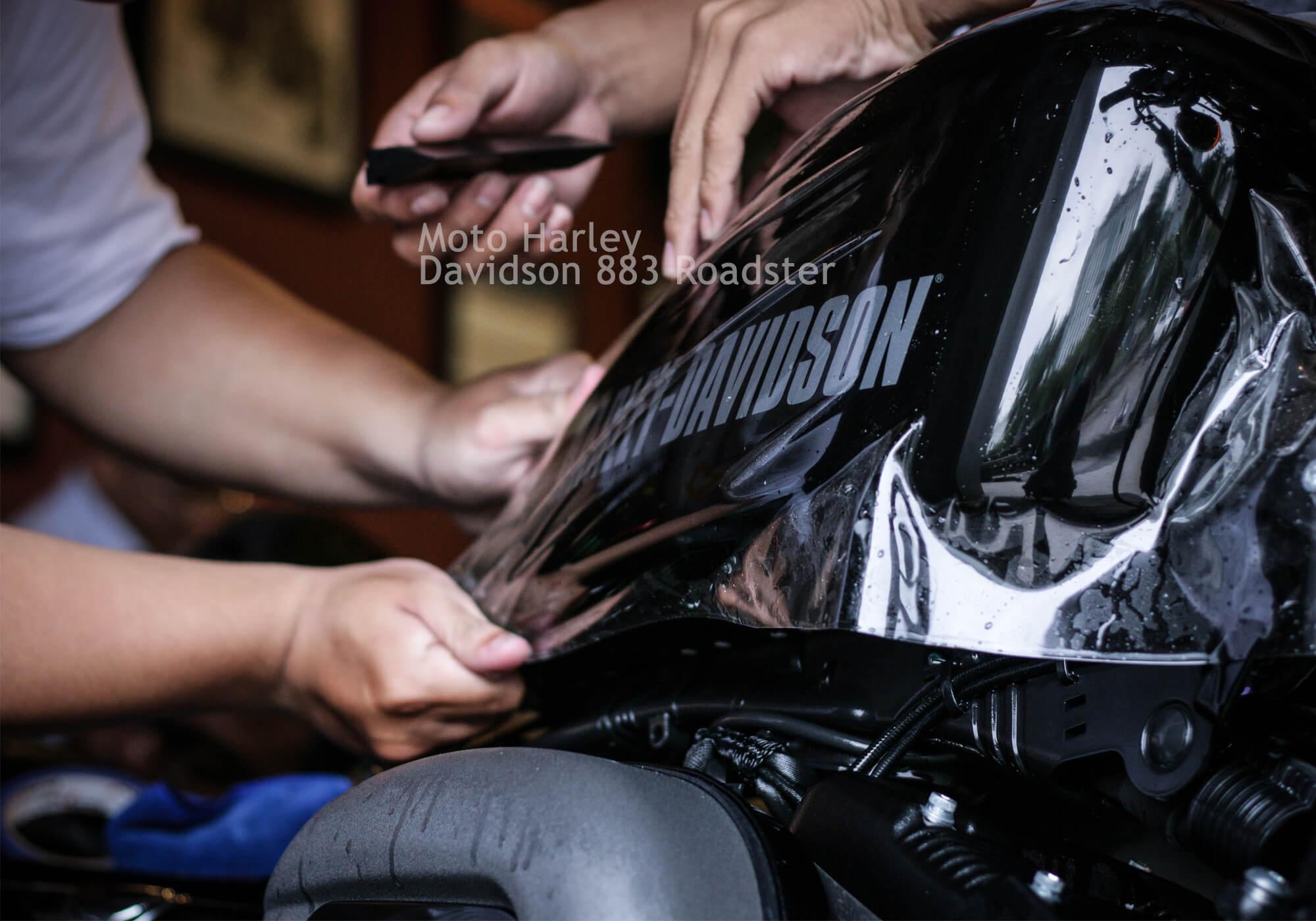 Moto Harley Davidson 883 Roadster